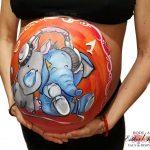 Pintarse la barriga de embarazada