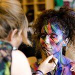 Maquillaje de fantasía para adultos en fiestas