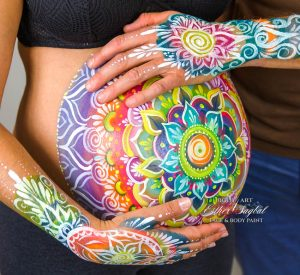 Pintarse la barriga de embarazada en Madrid