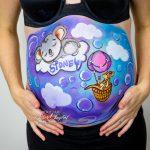 Pintarse la barriga en el embarazo